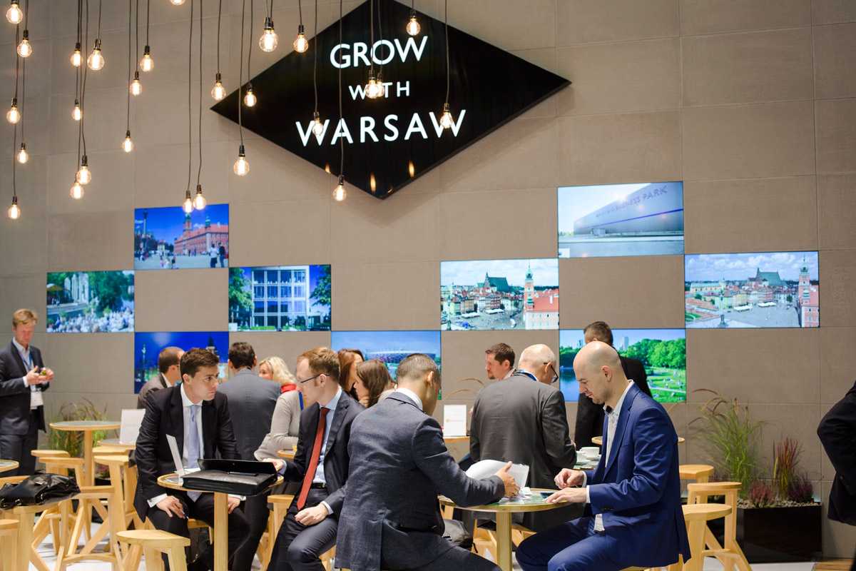 Click to enlarge image exporeal2015_as5617.jpg
