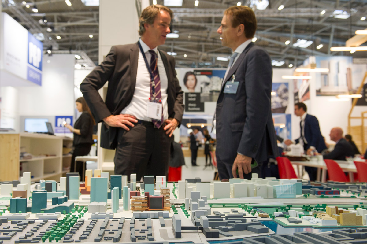 Click to enlarge image exporeal2015_lp0870.jpg