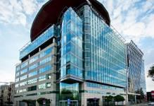 Warszawa: Savills wynajmie biurowiec Crown Square