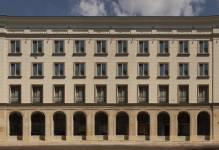 Warszawa: Hochtief sprzedaje zabytkową kamienicę