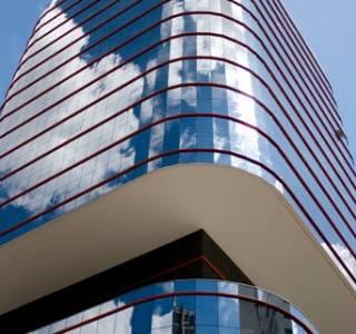 Na rynku liczą się nie tylko szklane wieże