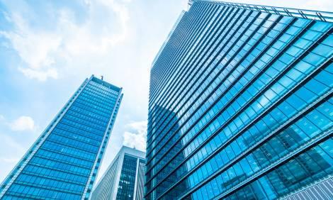 W całej Polsce powstaje 112 budynków biurowych