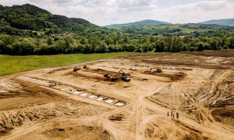 Plac budowy nowego zakładu produkcyjnego firmy Bulten w Gminie Radziechowy-Wieprz