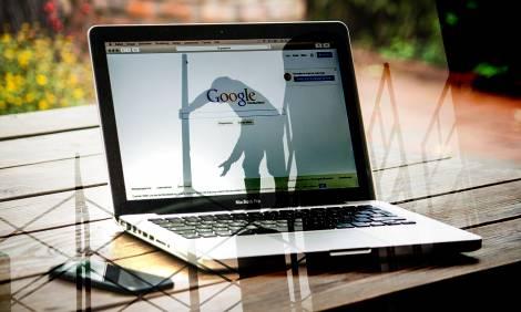 Jak sobie radzą deweloperzy w trybie pracy zdalnej i online?