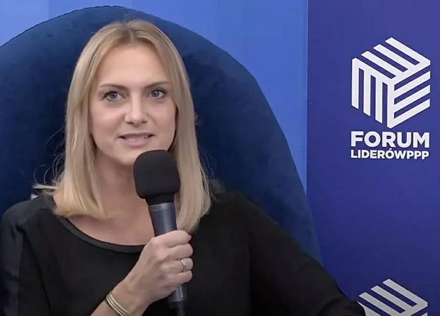 Adriana Miedrzwa-Bronikowska, DLA Piper
