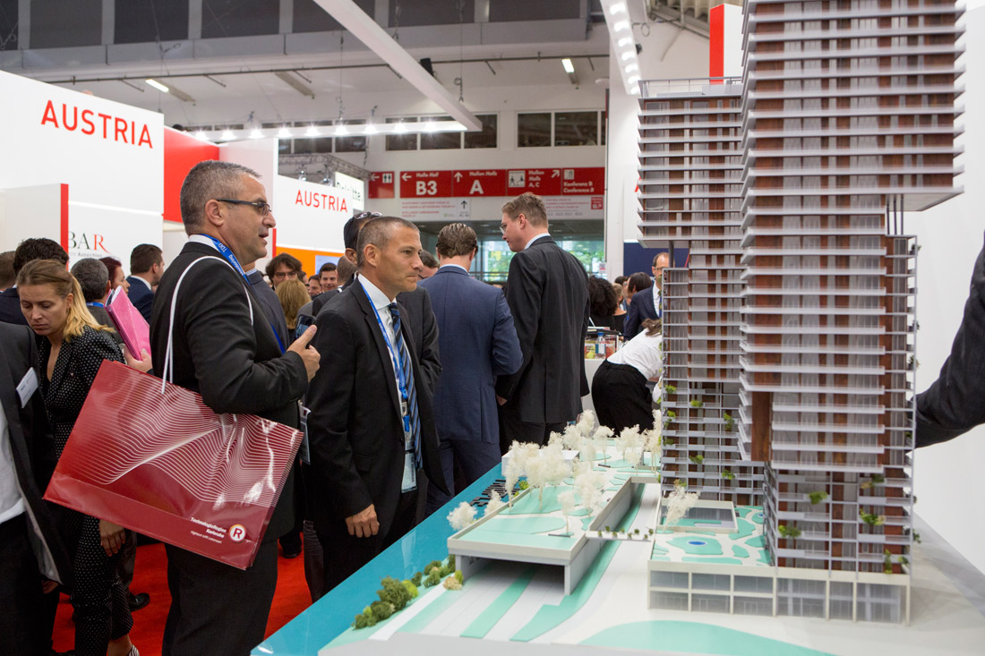 Click to enlarge image exporeal2016_ch0726.jpg