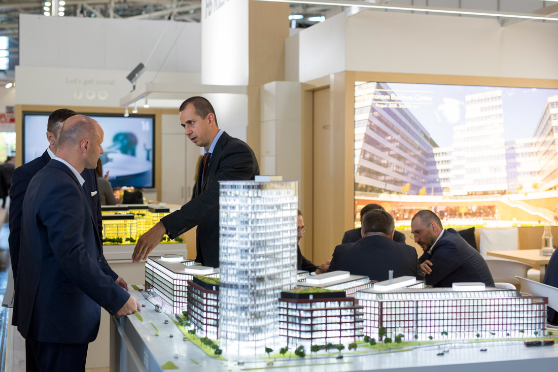 Click to enlarge image exporeal2016_ch2462.jpg