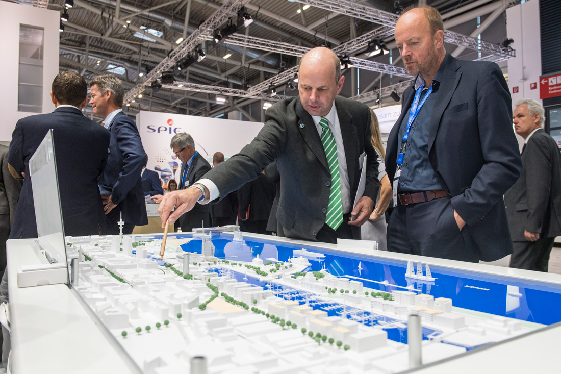 Click to enlarge image exporeal2016_lp0446.jpg