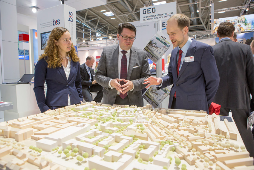 Click to enlarge image exporeal2014_as0497.jpg