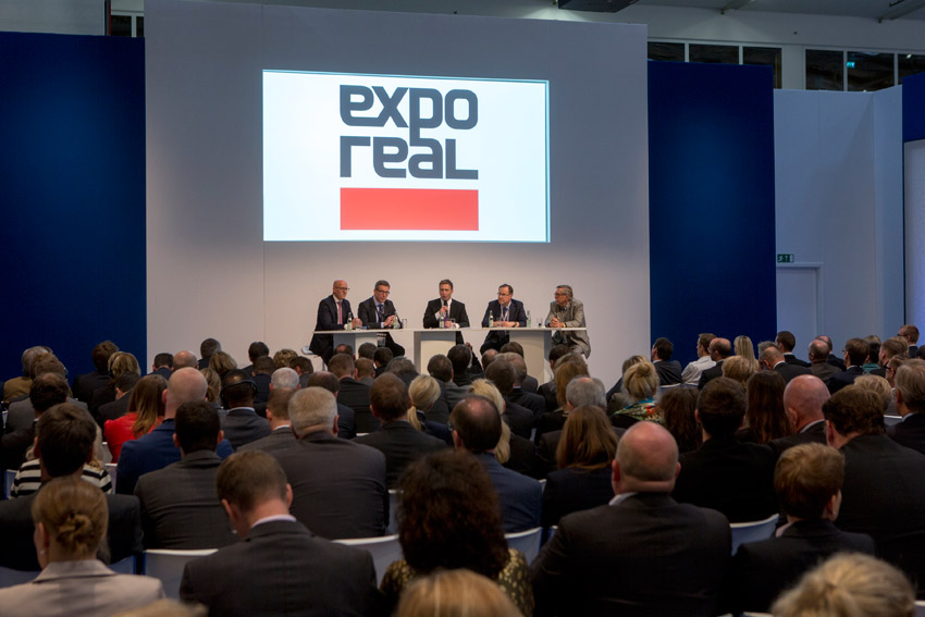 Click to enlarge image exporeal2014_as0807.jpg