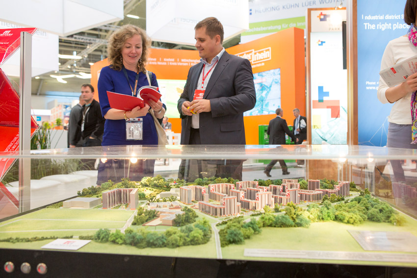 Click to enlarge image exporeal2014_as2375.jpg