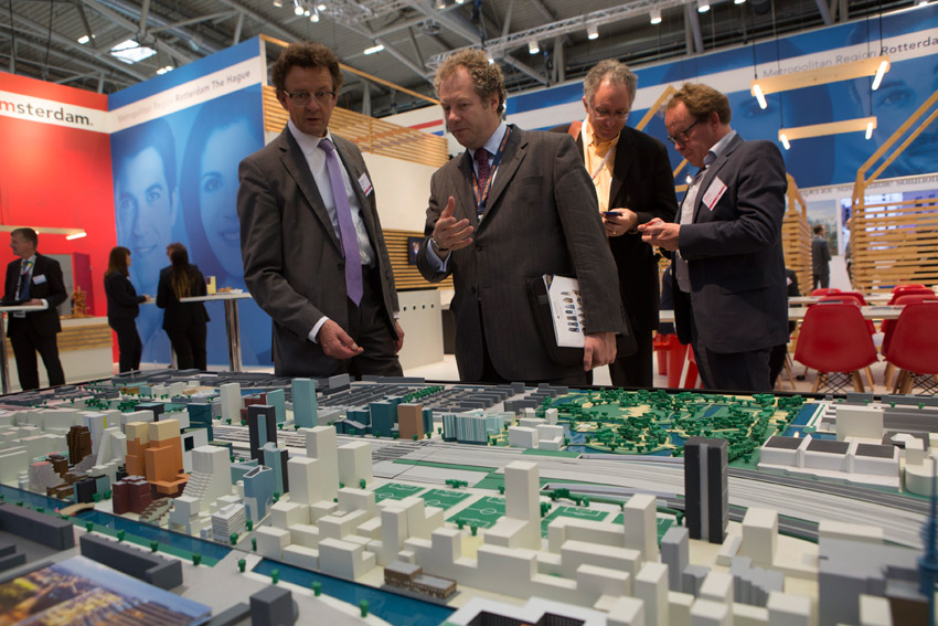 Click to enlarge image exporeal2014_as4086.jpg
