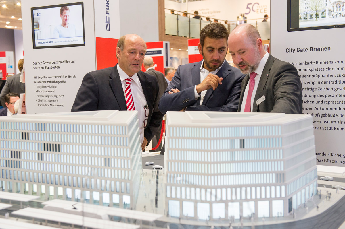 Click to enlarge image exporeal2015_lp0931.jpg